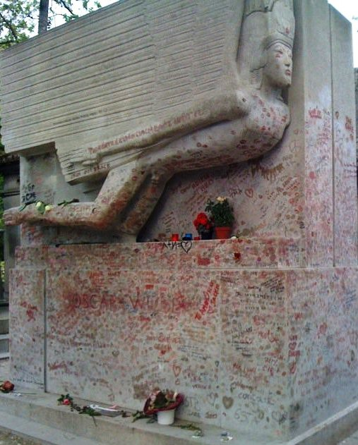 Picture of Oscar Wilde's tomb