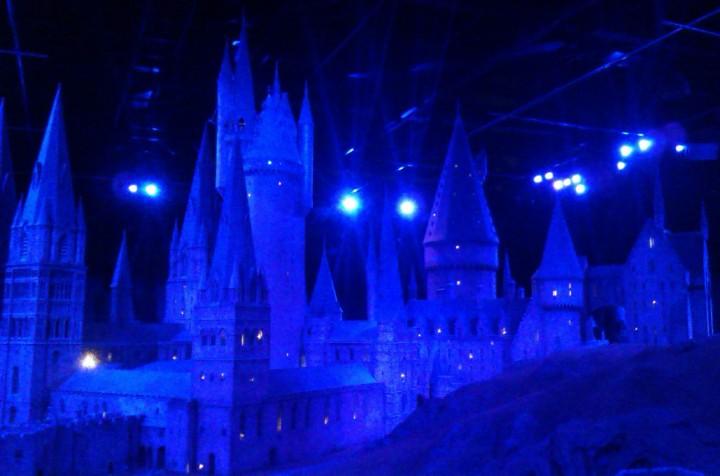 Model of Hogwarts at night