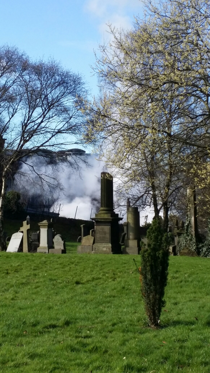 Smoke and atomsphere in Glasgow Necropolis