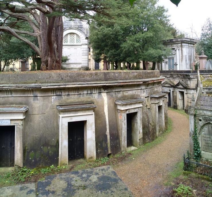 Image of Circle of Lebanon, Highgate Cemetery West