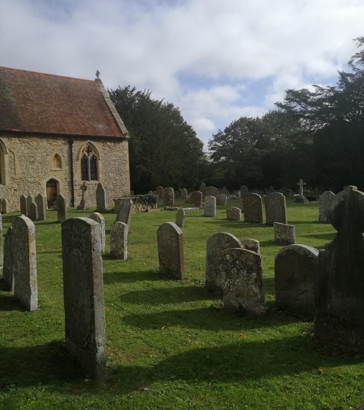 All Saints churchyard, Sutton Courtney
